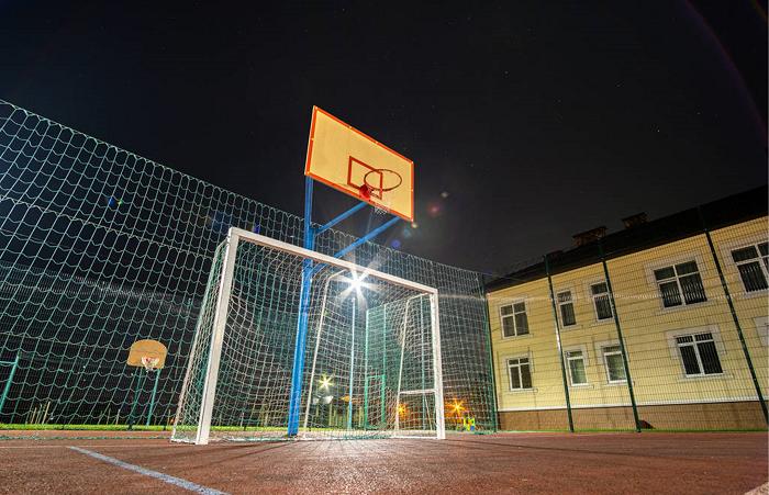 篮球场灯光标准
